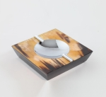 Пепельницы Зажигалки Deluxe. Пепельница с отделкой рогом (16,5 х 16,5) Horn & lacquer by Arca Trapezium