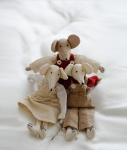 Мягкие декоративные игрушки Deluxe. Мягкая игрушка Мышка от Catherine Denoual Maison