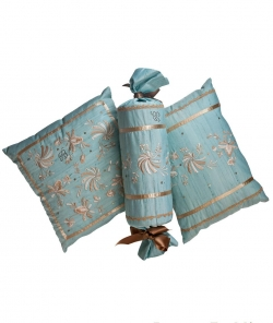 Декоративные подушки Deluxe. Комплект декоративных подушек Pantelleria (42х30, 42х42, 62см.) Голубой от Blumarine