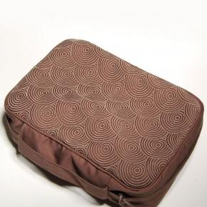 Косметички Сумочки Маски для сна. Косметичка Кружки сатин от Catherine Denoual Maison