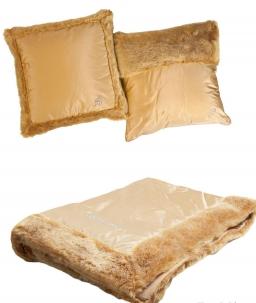 . Покрывало Bluvi  (270х270) и две декоративные подушечки 40х40 Медовый от Blumarine Art.74393