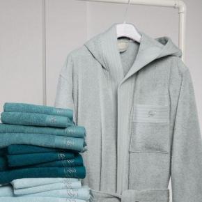 Халаты Одежда для бани и сауны Deluxe. Халат махровый с капюшоном Crociera (Кросиера) (L) роса со стразами
