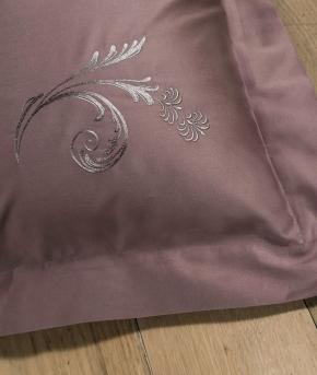 Постельное бельё Deluxe. Постельное белье семейное (евро) Изадора (140х200 — 2шт) Розовый от Catherine Denoual Maison