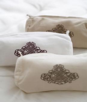 Косметички Сумочки Маски для сна. Косметичка лен от Catherine Denoual Maison