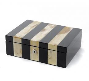 Боксы для часов и украшений Шкатулки Deluxe. Шкатулка для драгоценностей (светлый рог) 28 х 20 см