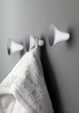 . Аксессуары для ванной настенные Belle крючок для полотенец