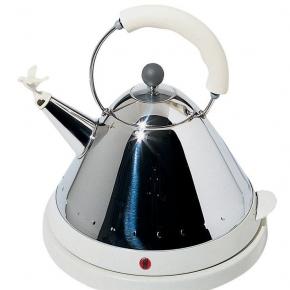 Электрические чайники и кофемашины. Чайник электрический со свистком белый