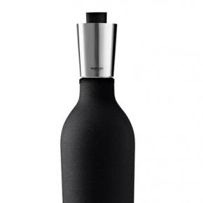Аксессуары для вина. Графин для вина в неопреновом чехле 750 мл