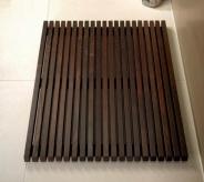 Деревянные коврики и решётки для душа и ванной комнаты. Деревянная решётка для душа и ванны Wood Wenge тёмная