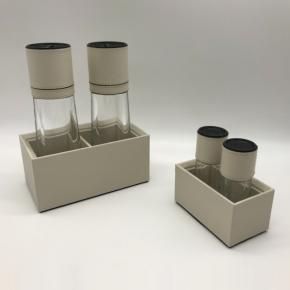 Посуда Столовые приборы Декор стола Deluxe. CILINDRO перечница и сольница с мельницей и кожаной подставкой