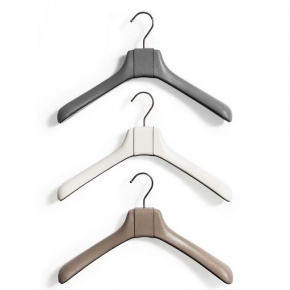 Вешалки для одежды. Pinetti HANGERS вешалки кожаные