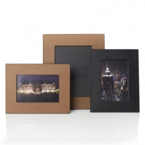 . Кожаные рамки для фотографий Pietro leather frames by GioBagnara