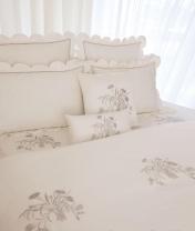 Постельное бельё Deluxe. Королевское элитное постельное белье Джульетта Белый от Catherine Denoual Maison