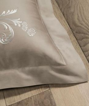 Постельное бельё Deluxe. Постельное белье Изадора двуспальное Бежевый от Catherine Denoual Maison