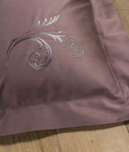 Постельное бельё Deluxe. Постельное белье Изадора полутороспальное Розовый от Catherine Denoual Maison