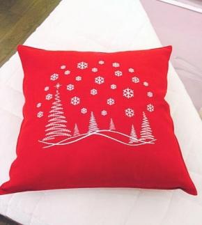 . Подушка Рождественский Пейзаж (50х50) от Catherine Denoual Maison