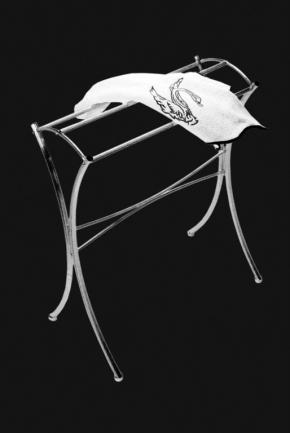 Стойки напольные с бумагодержателем, полотенцедержателем, ёршиком и высокие. Стойка для полотенец Cristal et Bronze Cannele