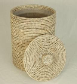 Мебель и Аксессуары для ванной из натурального дерева, Раттана и Бамбука. Раттан Rattan плетёное ведро с крышкой светлое