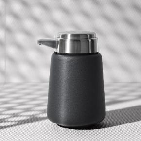 . Steel дозатор для жидкого мыла настольный чёрный
