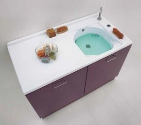 Итальянские постирочные раковины Мебель и оборудование для постирочной комнаты. Мебель для постирочной Active Wash Colavene Глубокая раковина для стирки с крылом для стиральной машины Melanzana