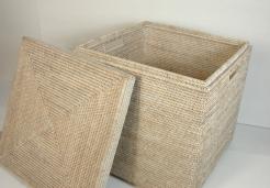 Хранение и порядок. Раттан Rattan Плетёная корзина для хранения квадратная Столик Ротанг светлый