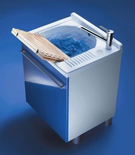 Итальянские постирочные раковины Мебель и оборудование для постирочной комнаты. Мебель для постирочной Active Wash Colavene Глубокая раковина для стирки синий