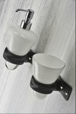 Аксессуары для ванной настенные. Аксессуары для ванной Pelleto дозатор и стаканчик настенные кожаные
