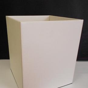 Офисные вёдра Корзины для бумаг Урны. Ведро кожаное белое квадратное
