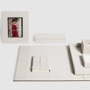 Аксессуары для кабинета Deluxe. Pinetti настольные аксессуары для кабинета кожаные с декором